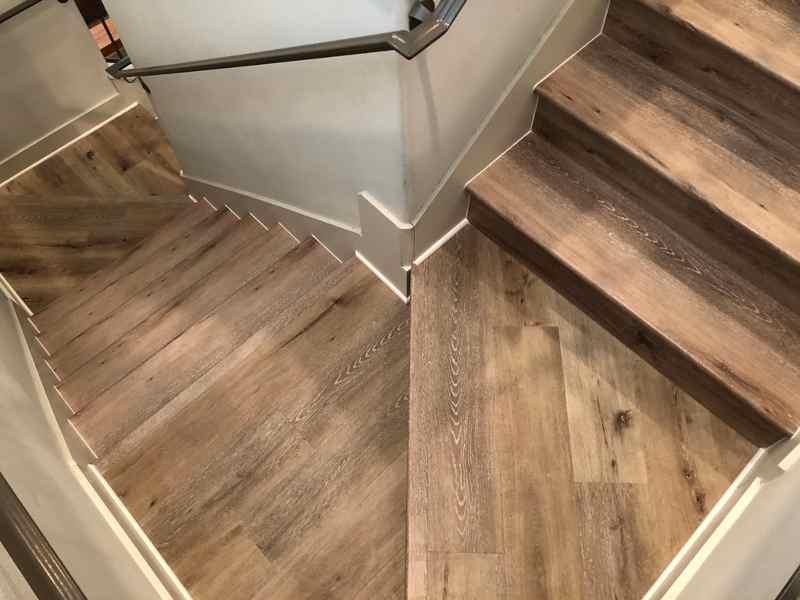 Vinyl plank flooring Egytian gold